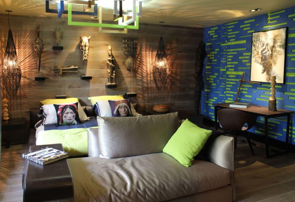 Interior de una suite completamente reformada y diseñada por Manuel Torres Design