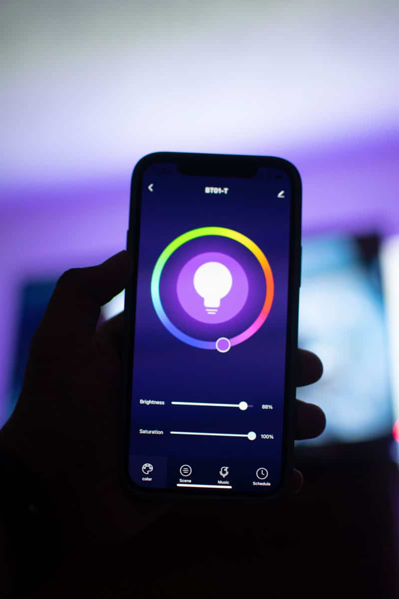 Ventajas y desventajas de la domótica con esta aplicación para controlar las luces de la habitación