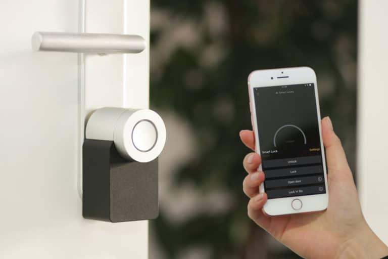 cerradura inteligente sistemas domóticos vivienda